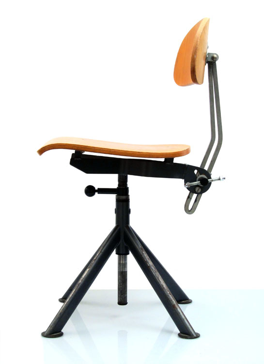 Industrial vintage plywood studio chair for Industrial design chair