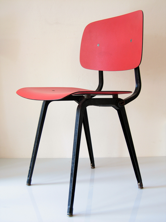 Revolt chair by Friso Kramer vintage bordeaux red