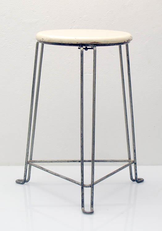 Tomado stool