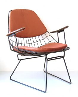 2 Cees Braakman FM06 Pastoe relax chairs