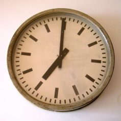 Big fifties retro school clock