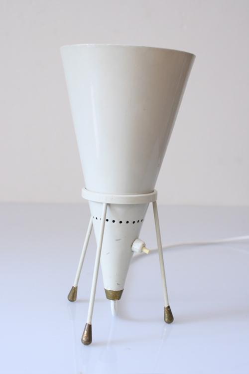 Fifties unique vintage tripod conical tablelamp