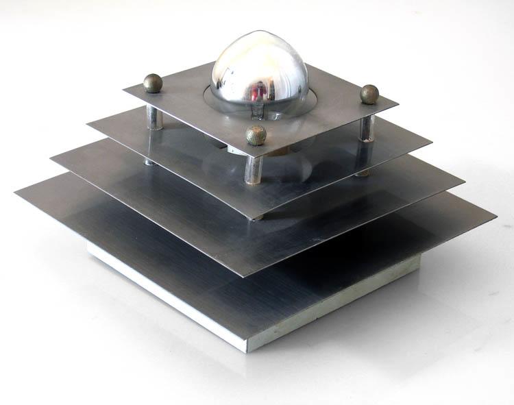 Minimal vintage design metal wall lamp