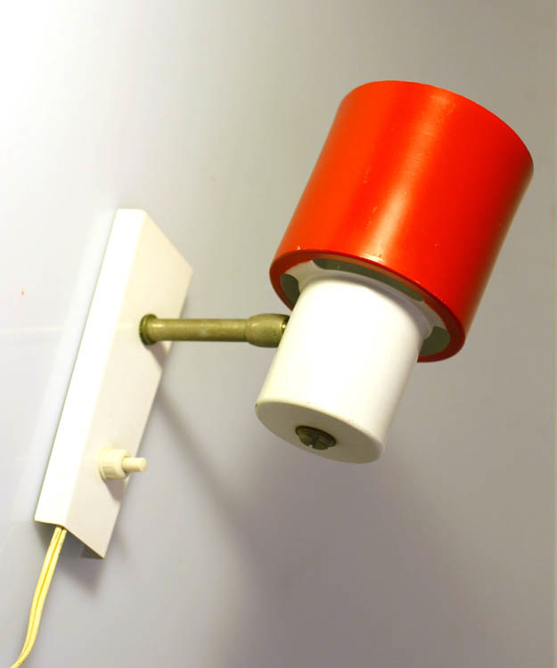 Red and white adjustable wall lamp