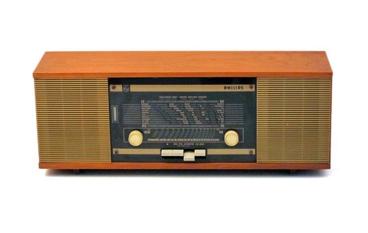 Sixties wooden vintage Philips radio