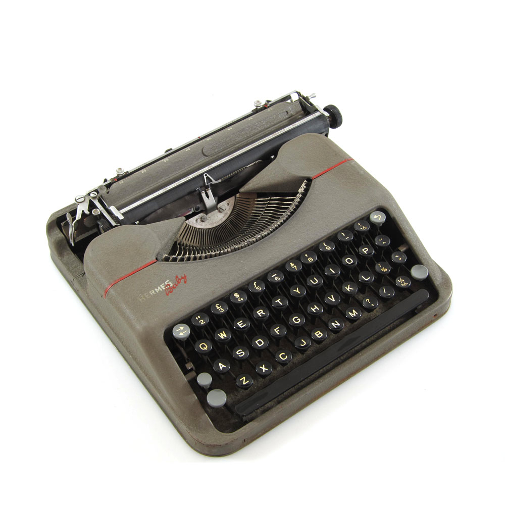 Hermes Baby Portable Typewriter With Case 1943