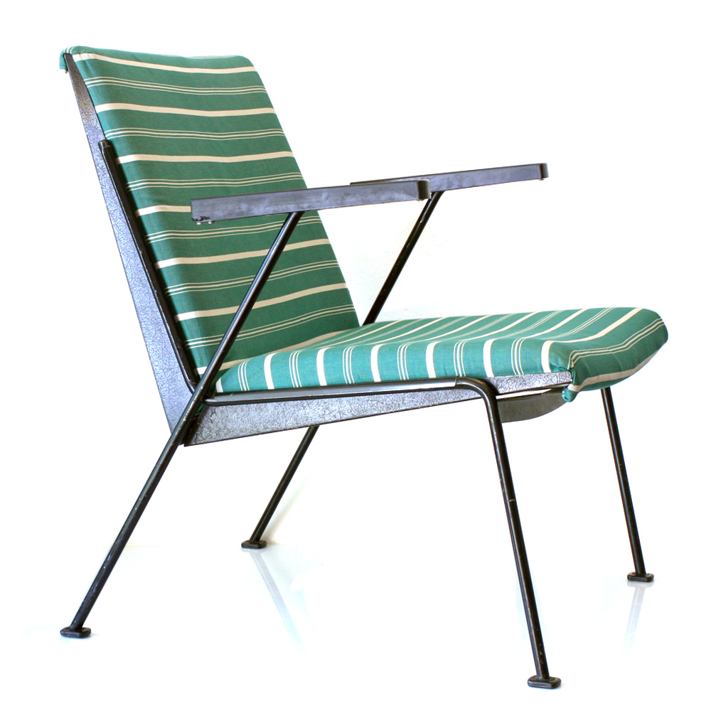 2 Wim Rietveld vintage relax chairs for Ahrend Cirkel