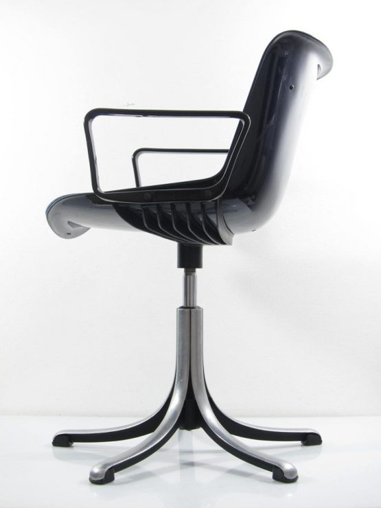 Osvaldo Borsani chair