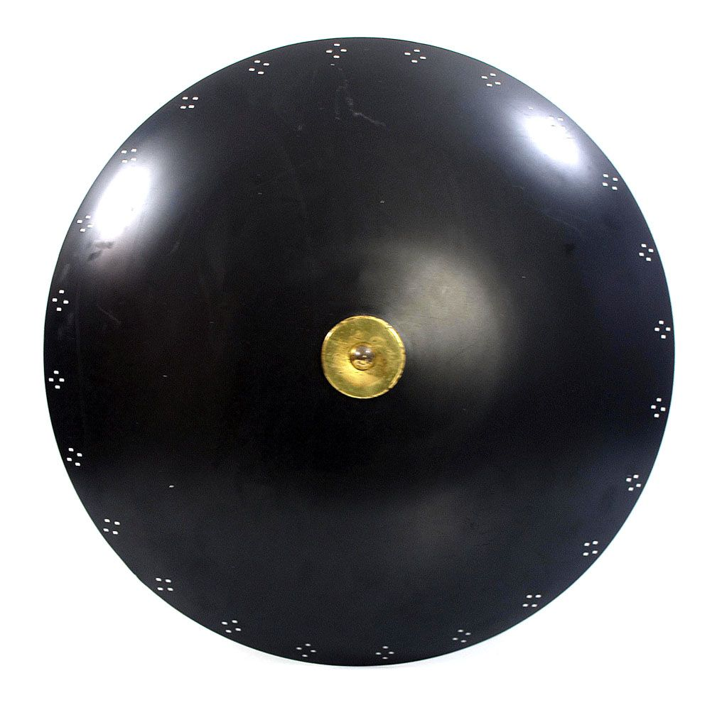 Large black and bronze fifties design ceiling lamp in good condition. Has slight signs of use. Has three light fittings.Dimensions: diameter 48 cm, height 18 cm.€ 425,-