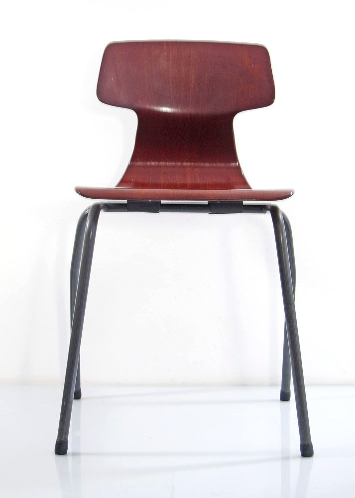 Stylish looking vintage plywood chairs with metal base. 3 in stock.Dimensions: height 75 cm, width 46 cm, depth 44 cm.€ 195,- each