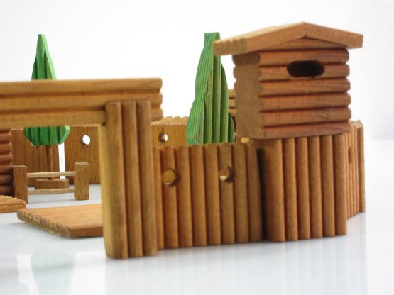 AB vintage fifties childrens toy Fort set
