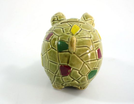 Great looking vintage ceramic piggy bank. Dimensions: height 10 cm, width 9 cm, depth 13,5 cm.