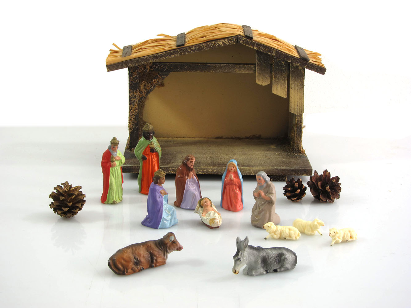 Vintage Marolin fifties stable and nativity set