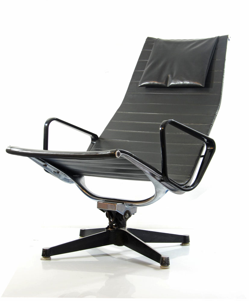 eames lounge chair ea 124 original vintage sold. Black Bedroom Furniture Sets. Home Design Ideas