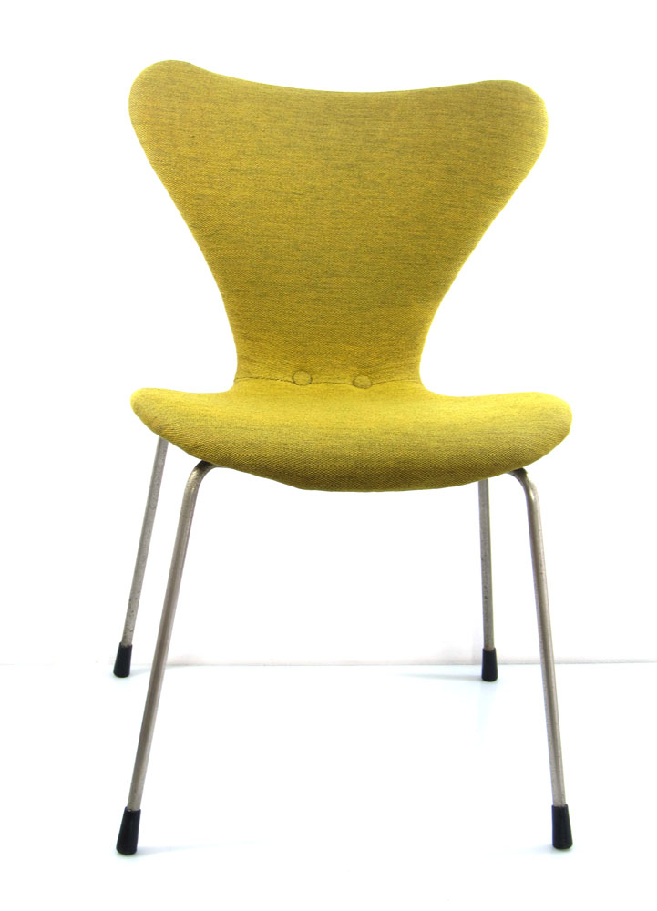 Arne jacobsen early version series 7 chair fritz hansen for Chaise arne jacobsen