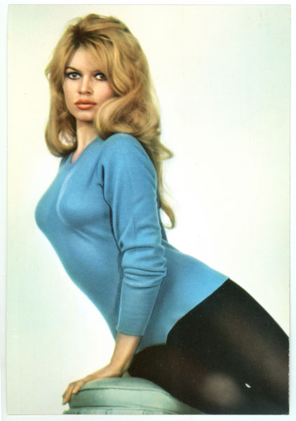 Brigitte Bardot fifties sixties vintage postcard.