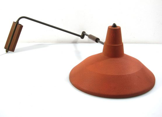Adjustable Fifties swivel arm design lamp