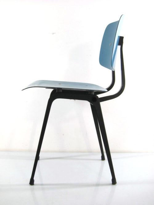 Blue Revolt chair Friso Kramer Ahrend Cirkel