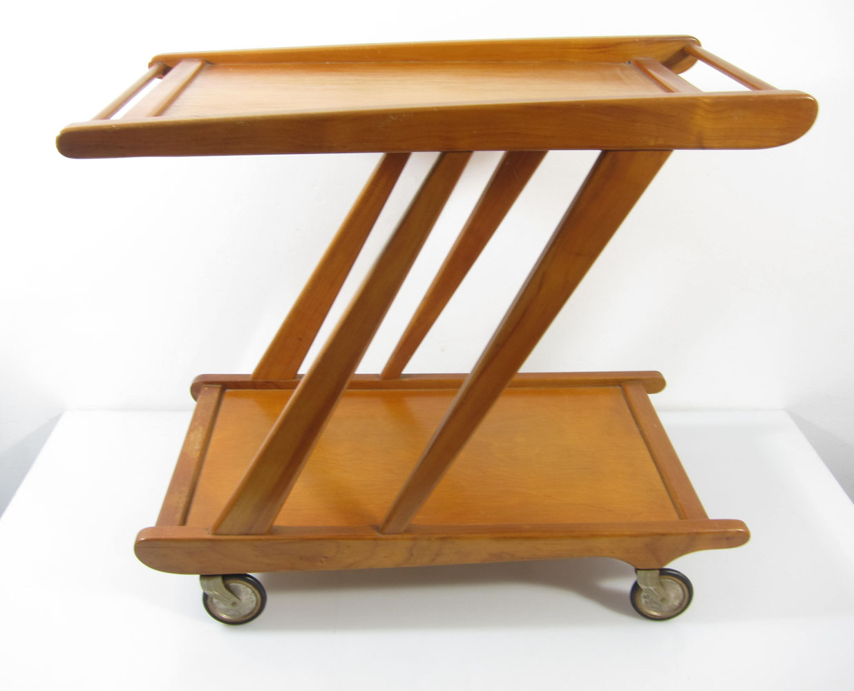 Cees Braakman style vintage tea trolley in the same style as the 'Mobilo' PE03 Tea Trolley from Cees Braakman from the fifties.