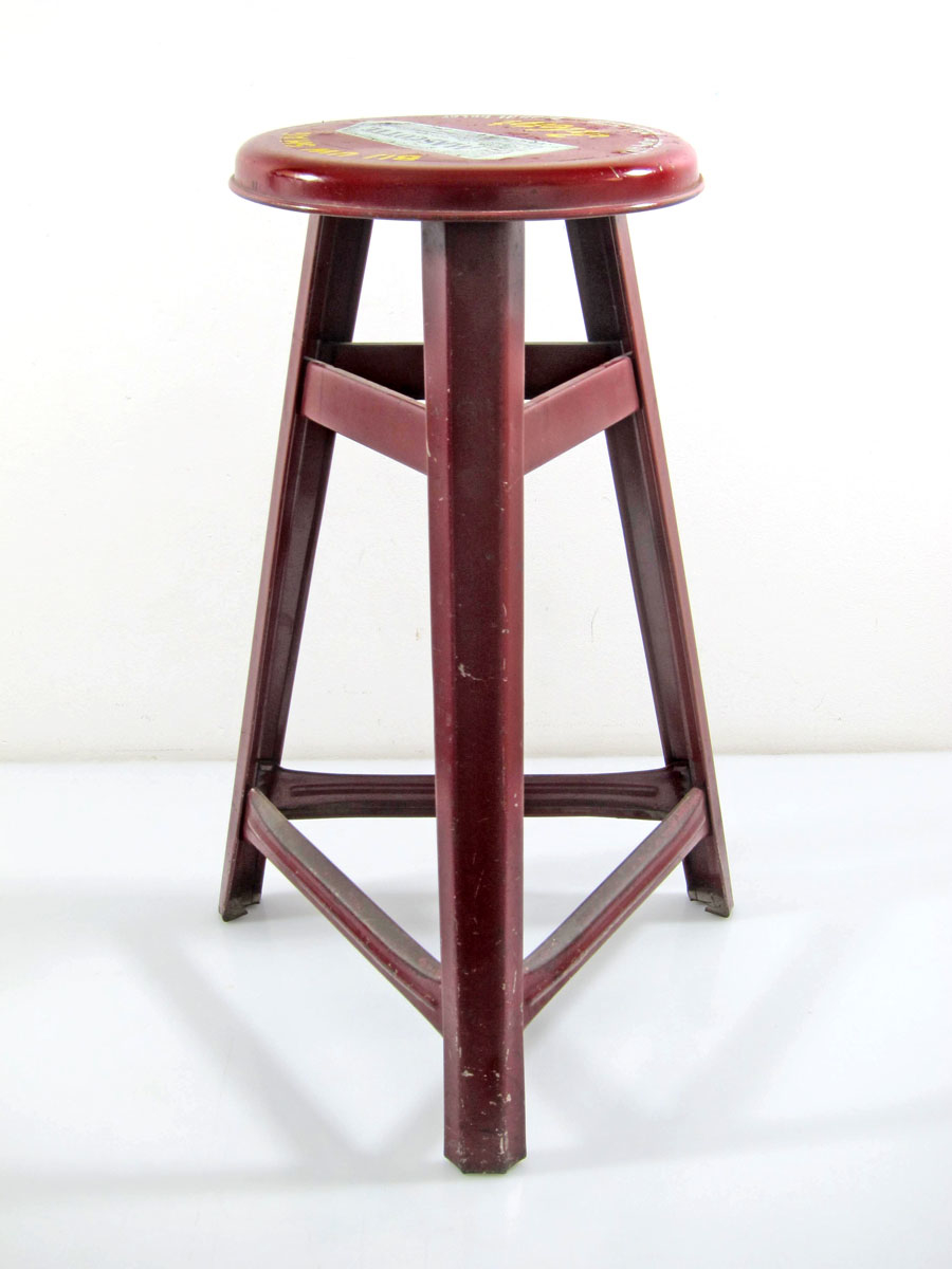 Mascotte red fifties metal stool bom design furniture for Bom design furniture