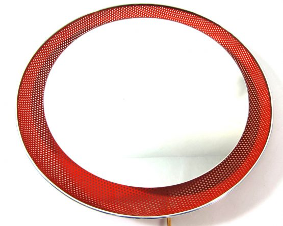 Red Mathieu Mategot style fifties vintage mirror with light. Dimensions: diameter 43,5 cm, depth 6 cm.