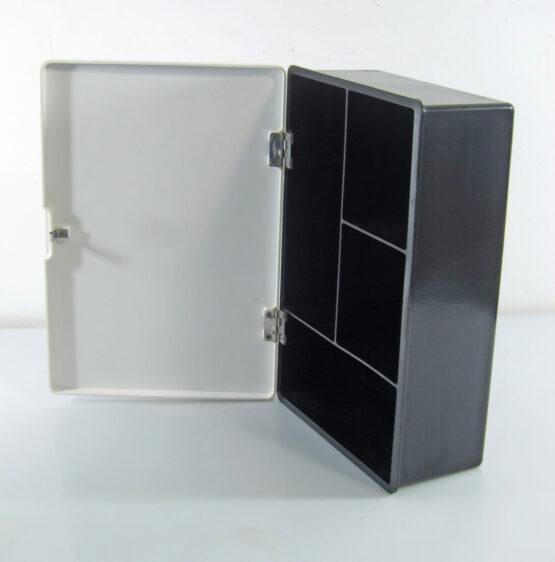 Small fifties melamine Bathroom cabinet, castiglioni, enzo mari, joe colombo, arflex 6