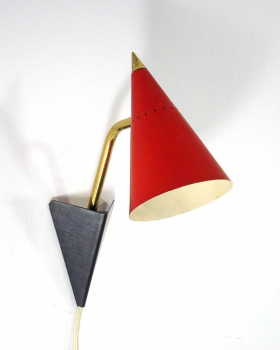Red Italian fifties vintage wall lamp Arteluce, Stilnovo style