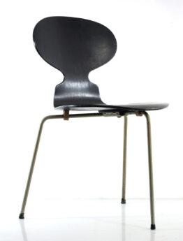Arne Jacobsen 3 legged Ant chair Fritz Hansen