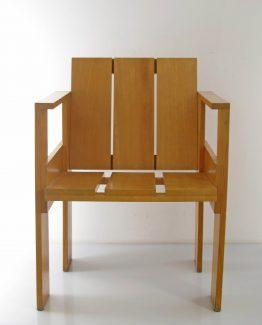 Gerrit Rietveld - Cassina crate chair; Friso Kramer, Alvar Aalto, Jean Prouve, Charlotte, Perriand, Le Corbusier, Ahrend, Plywood, Mategot